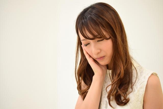 前歯のインプラント治療の痛み